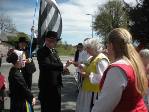 MFDS meet the Breton Dancers at Llangadfan May 2013